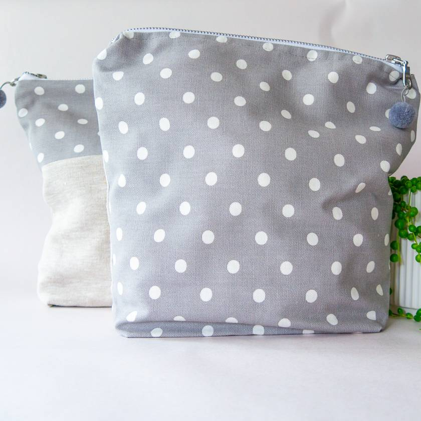 REDUCED - 50% OFF Set of 2 linen and cotton washbags