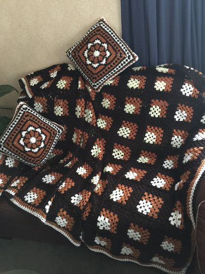 Cover / blanket and two cushions