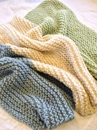 Cosy chunky knit blanket