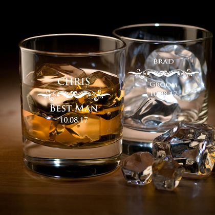 Personalised round whiskey glasses as wedding favors (Set of 4)