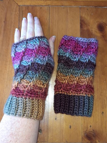 Crochet Twisted Mitts (fingerless)