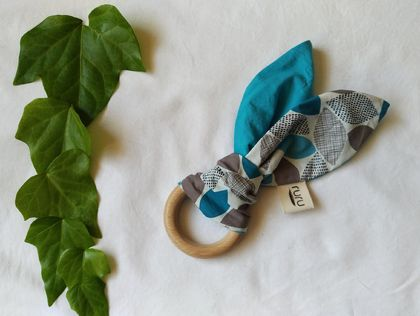 Organic Cotton + Beech Teether - leafy
