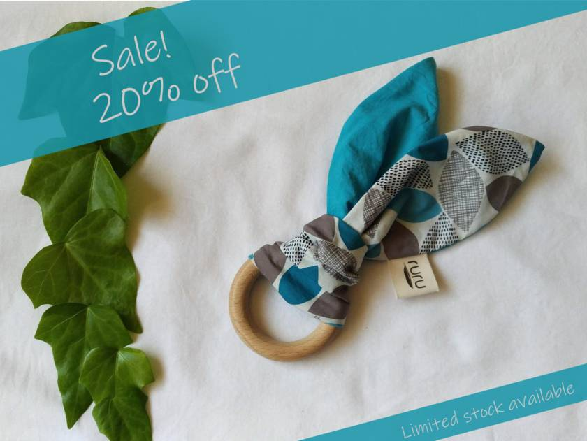 Sale! 20% off! Organic Cotton + Beech Teether - leafy