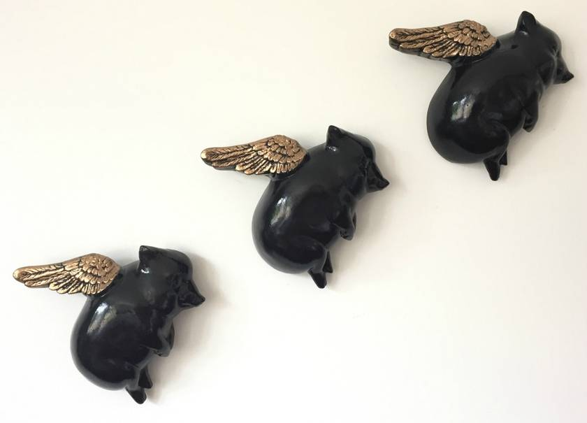 Oink Flying Pigs - Black & Gold