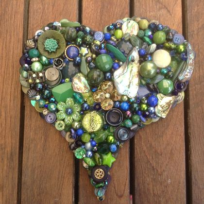 KEEP NEW ZEALAND GREEN...Button and Bead Heart