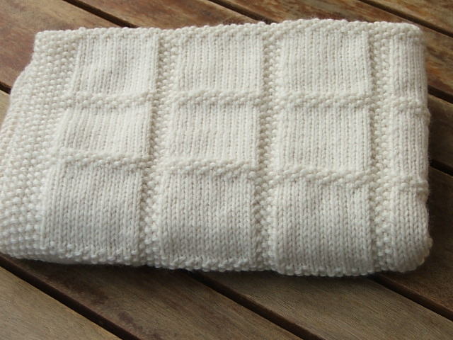 Star Baby Blanket Knitting Pattern : Babies First Blanket - Knitting Pattern Felt