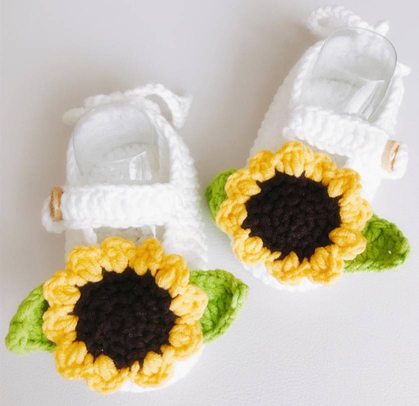 Hand crocheted baby booties - Daisy
