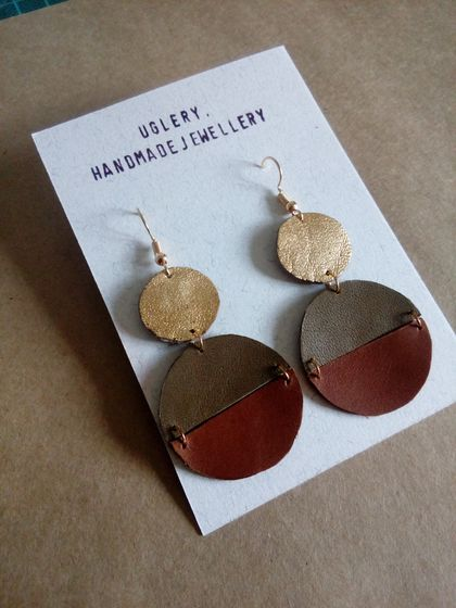 Leather pendant earrings