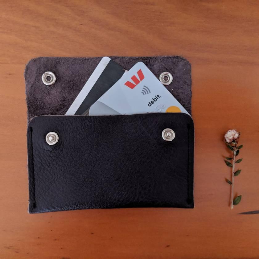 Slim leather wallet dark brown