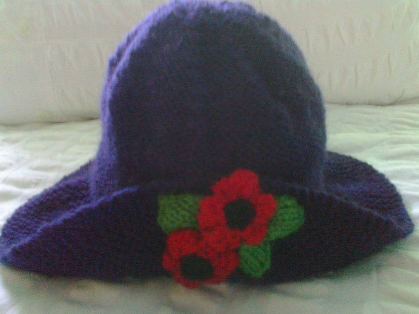 Purple Poppy Hat - Wool - Hand knitted