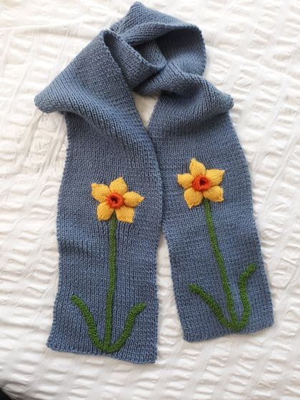 Daffodil Scarf - Hand knitted - Wool