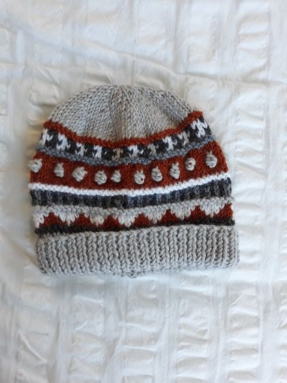 Ewe Beanie for a 1 year old - Wool - Hand knitted