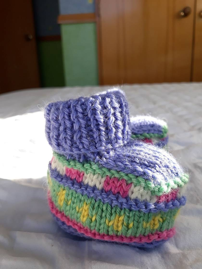 Ewe Booties - 100% Wool - Hand knitted