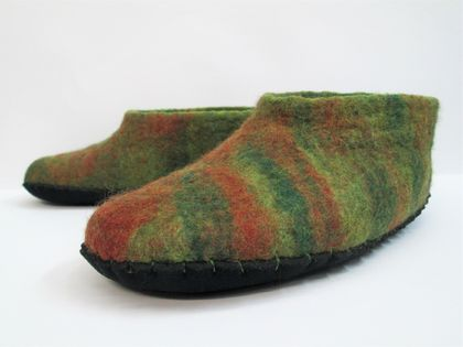 Hobbit hopper felt slippers