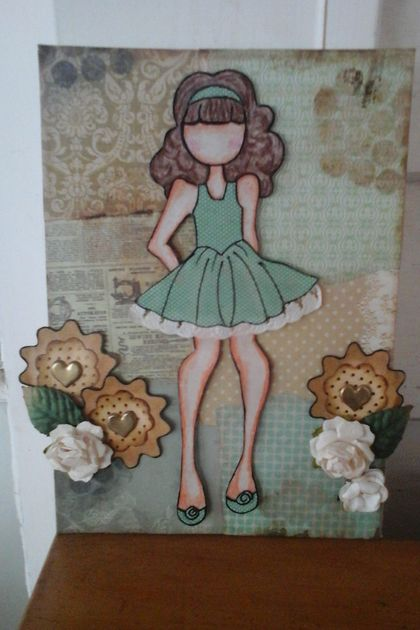 Multimedia girl canvas in green