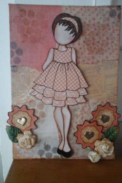 Multimedia girl canvas in apricot
