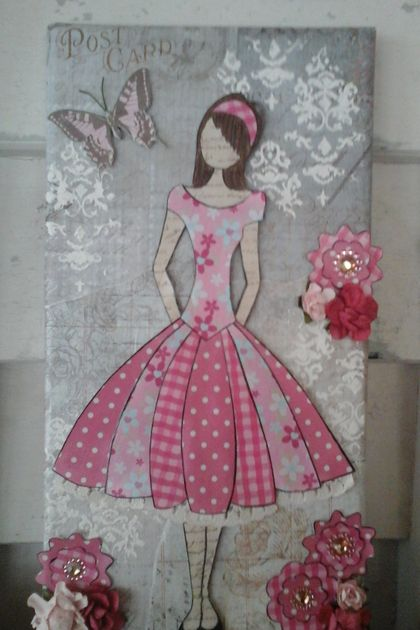 Multimedia girl canvas in pink