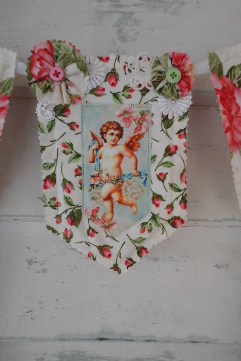 Angel/Cupid Bunting