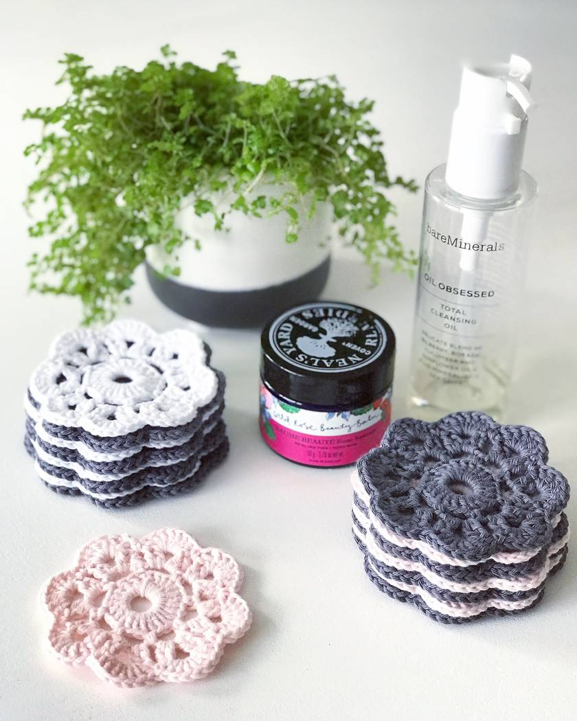 Cotton Makeup Removers - Set of 8 - Mouse Grey & Pearl White
