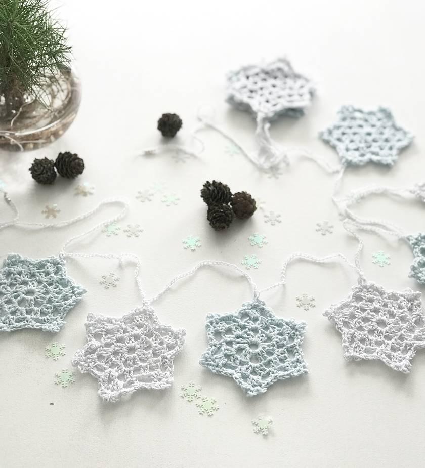 Christmas Snowflake Garland - Ice White/Ice Blue