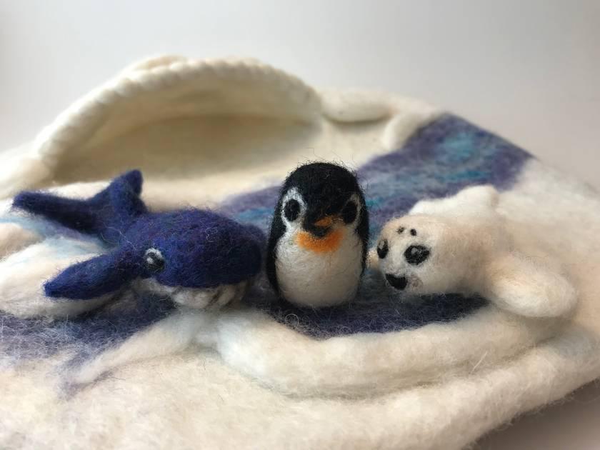 Antarctic/Arctic play mat and animals