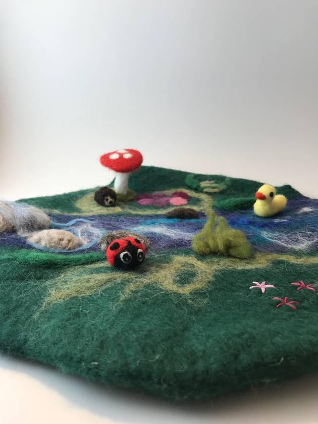 Woodland play mat and animals