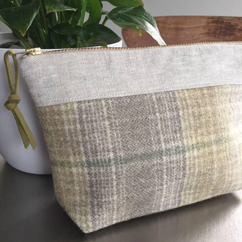 Woodlands Wool/Linen Pouch