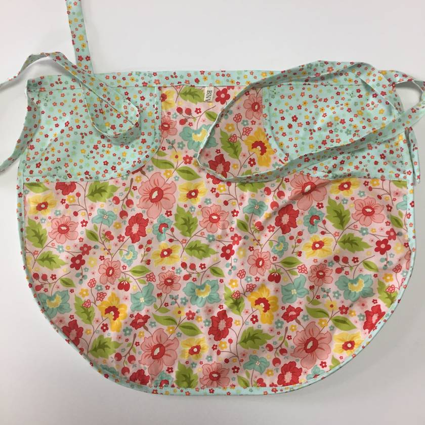 BNWOT Peg Apron Pink or Pale Blue Mini Floral with Co-Ordinating Large Pink Floral fabric