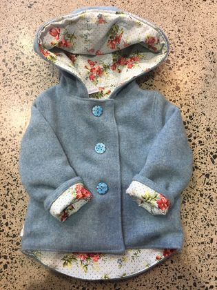 BNWOT ORIGINAL - Upcycled Denim Blue 100% Wool & 100% Cotton Blue Roses Hooded Wool Coat - Age 4