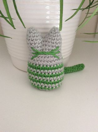 Crochet cat whiskers rattle