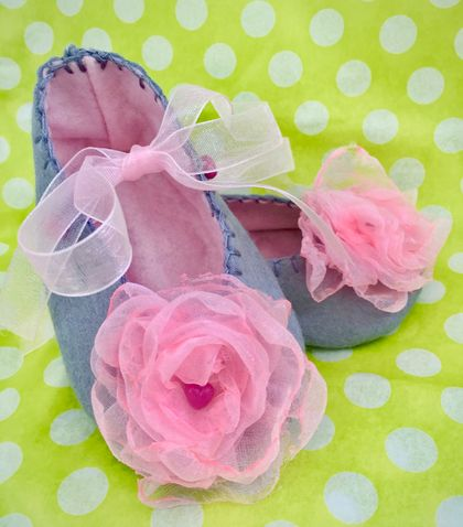 Grey Felt Baby Booties with Pink Organza Flower -  Small
