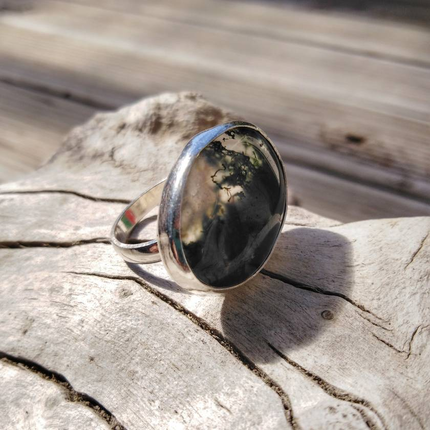 Bespoke ring with stunning moss agate