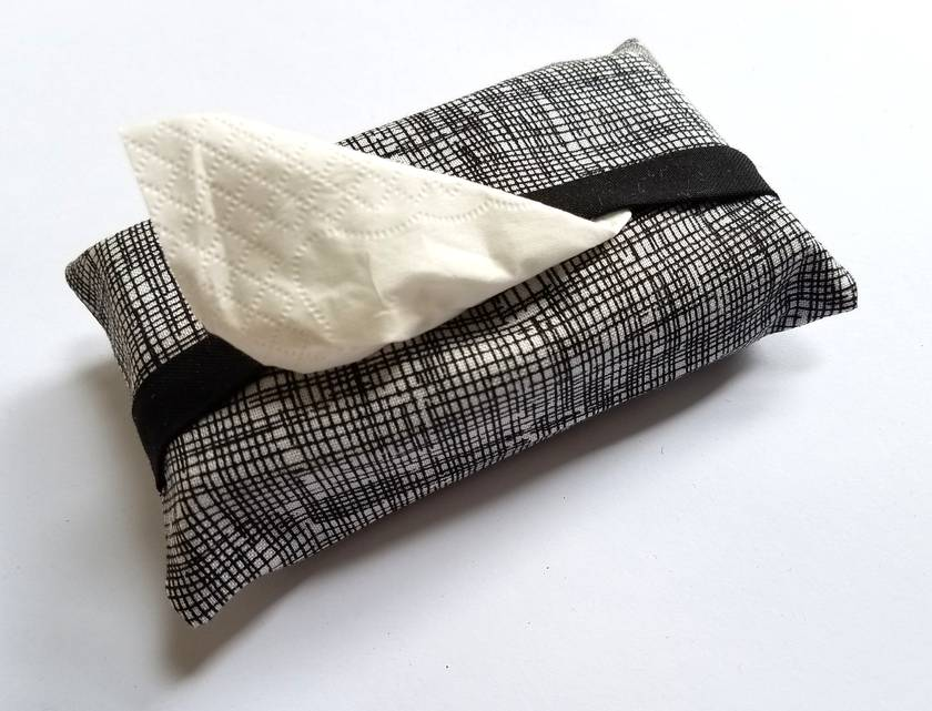 Travel tissue holder