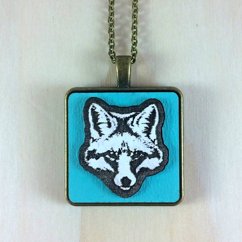 Fox Pendant - white/gulf blue