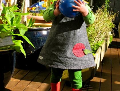 Denim pinafore with a super cute apple pocket !