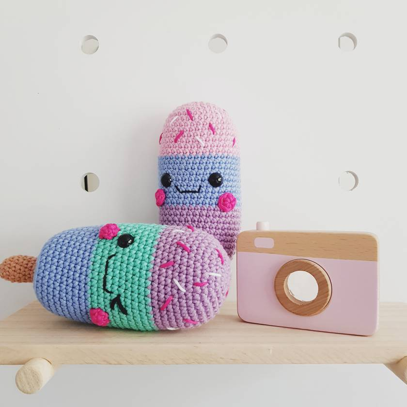 Crochet winking icy toy
