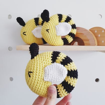Crochet bee rattle