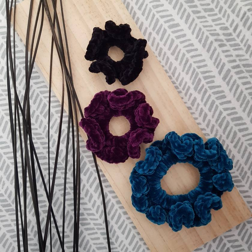 Crochet scrunchies (mini)