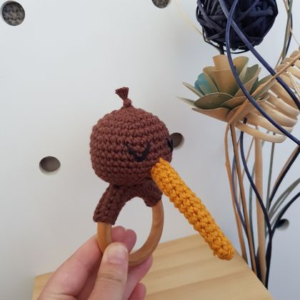 Kiwi teething rattle
