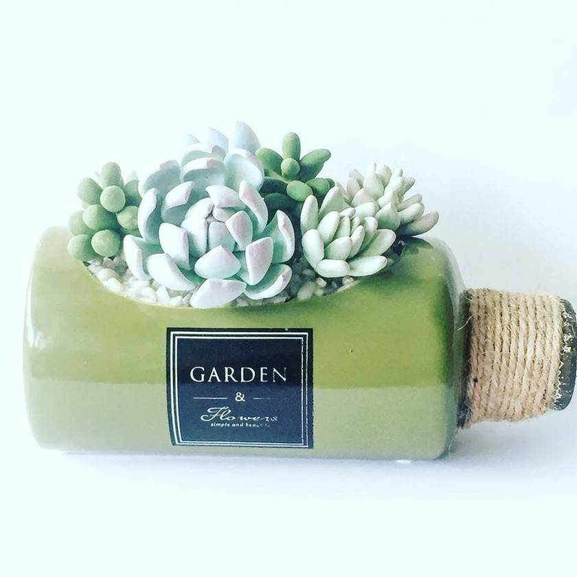Green bottle with polymerclay flowers