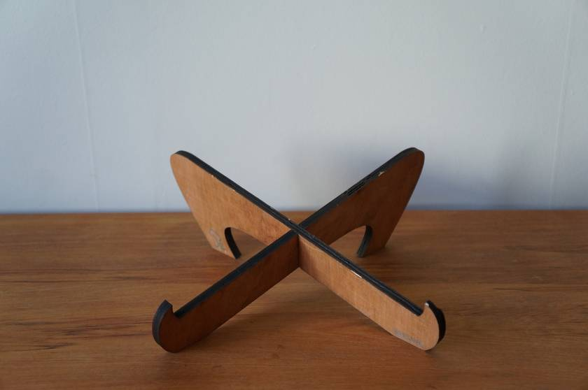 Portable laptop stand - thick laptops