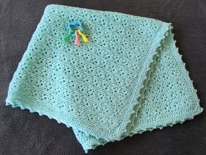Hamd knitted baby blanket
