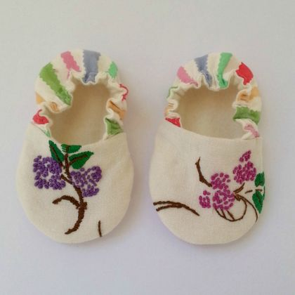 MissMollyCoddle baby shoes - Vintage embroidery 0-6months
