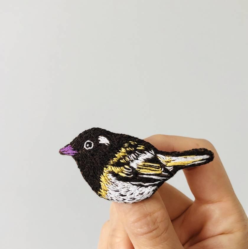 Handmade embroidery brooch- Hihi bird