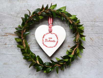 Ceramic Meri Kirihimete Heart Decoration Ornament - Red