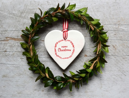 Merry Christmas Ceramic Wreath Heart Decoration Ornament - Red