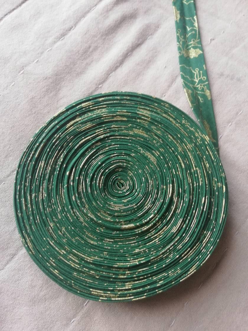 Green/Gold Holly bias binding! - 25mm x 5m