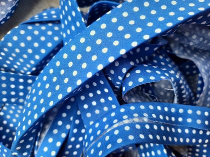 Blue/white polkadot bias binding - 25mm x 5m