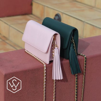 Sonder and Wilde: Italian leather clutch with chain