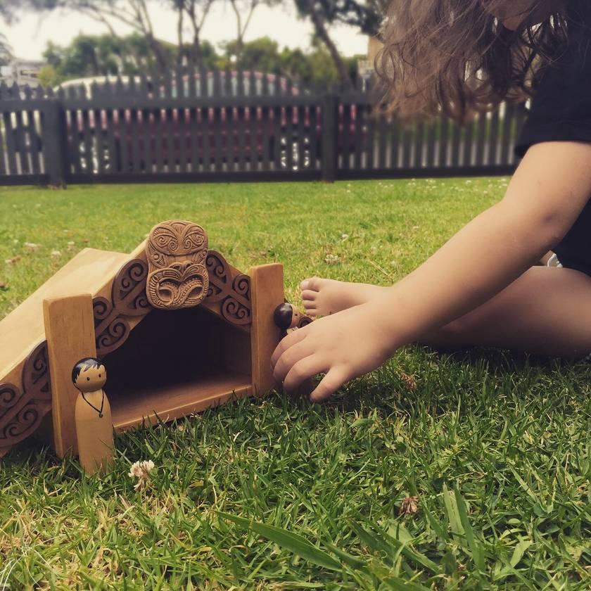 Maori Whare Set